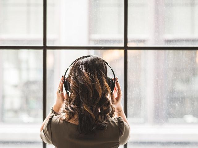 Musiikin kuuntelu lievittää stressiä